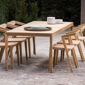 Urban table chairs