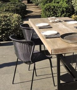 black outdoor tafel